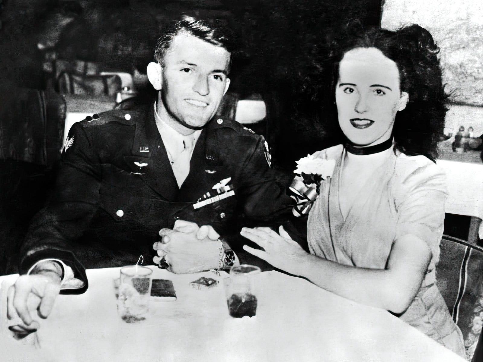 Black Dahlia - Beth Short with Major Matt M Gordon - later killed in an airplane crash