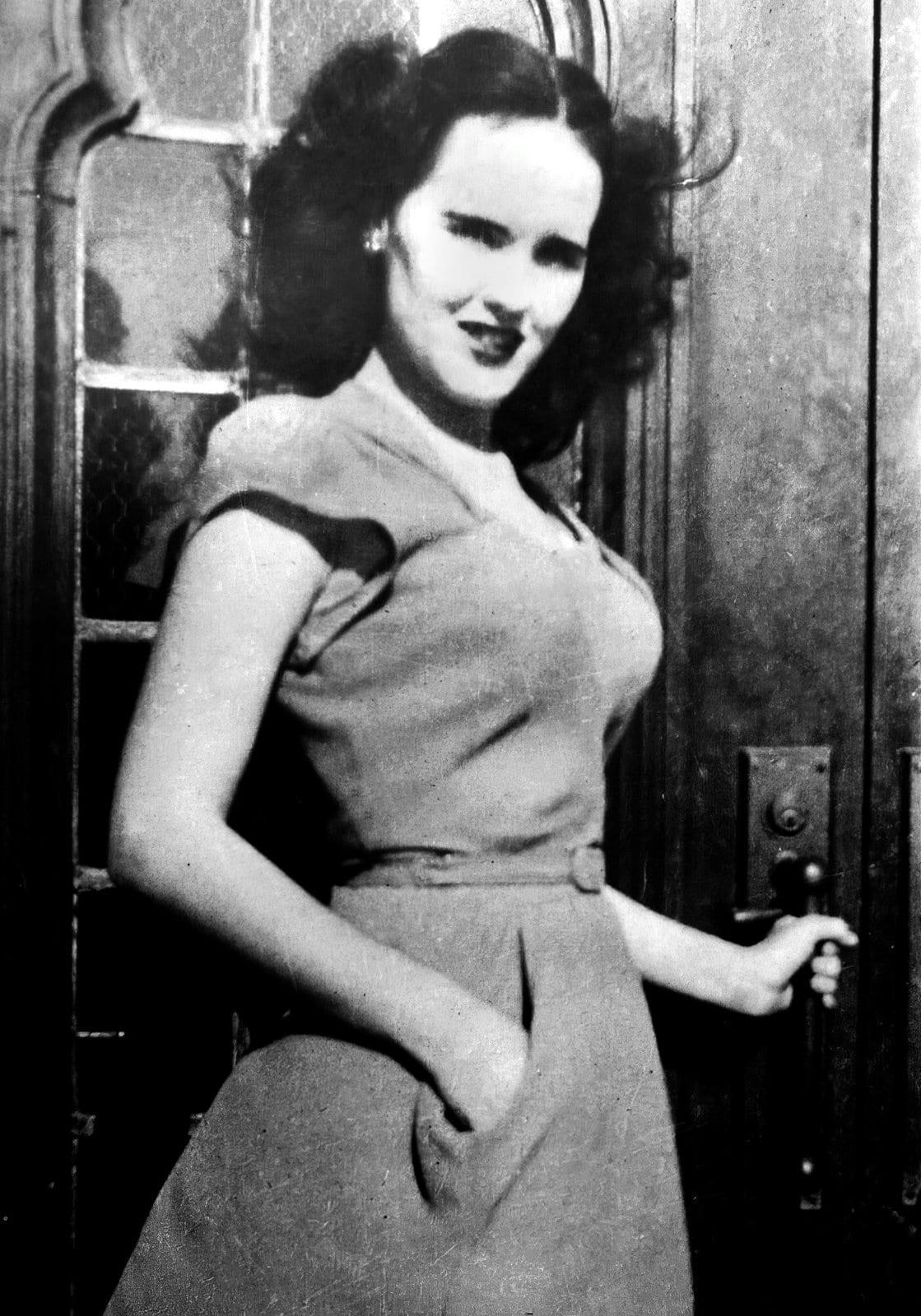 Black Dahlia - Elizabeth Short at a door