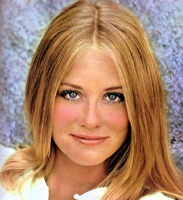 Blonde model-actress Cybill Shepherd in 1970