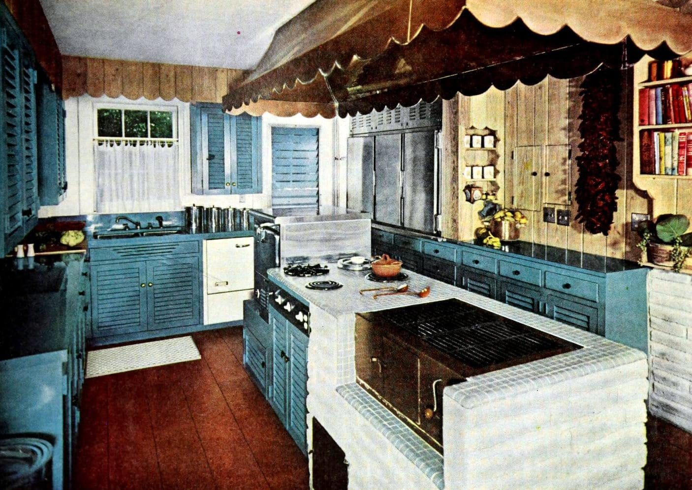 Blue and white vintage kitchen with cooking island (1959)