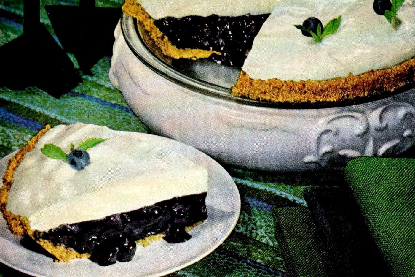 Blueberry-marshmallow pie