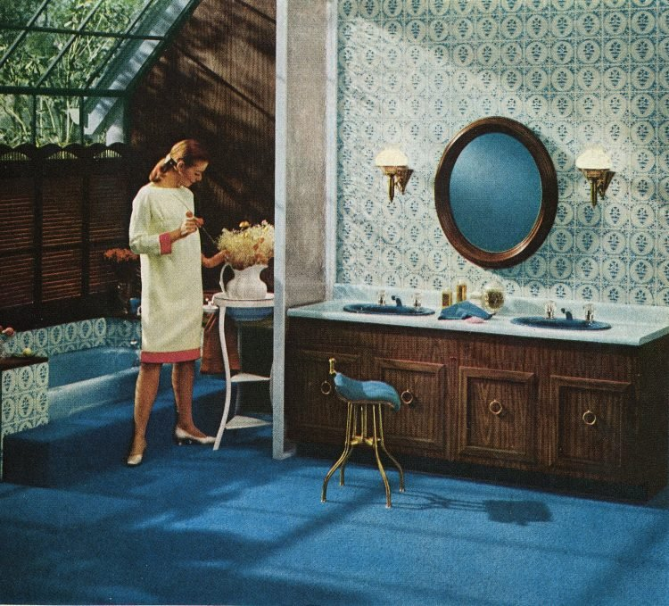 Bluee bathroom carpet and decor from 1966