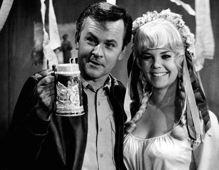 Bob Crane and Sigrid Valdis - Hogan's Heroes 1969