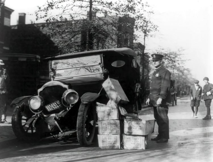 Car wreck with moonshine - 1922