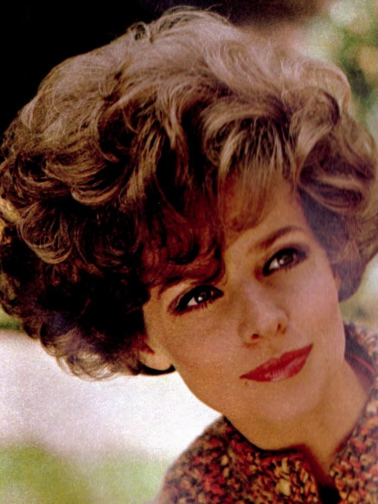 Bouffant hairstyle popular in 1967