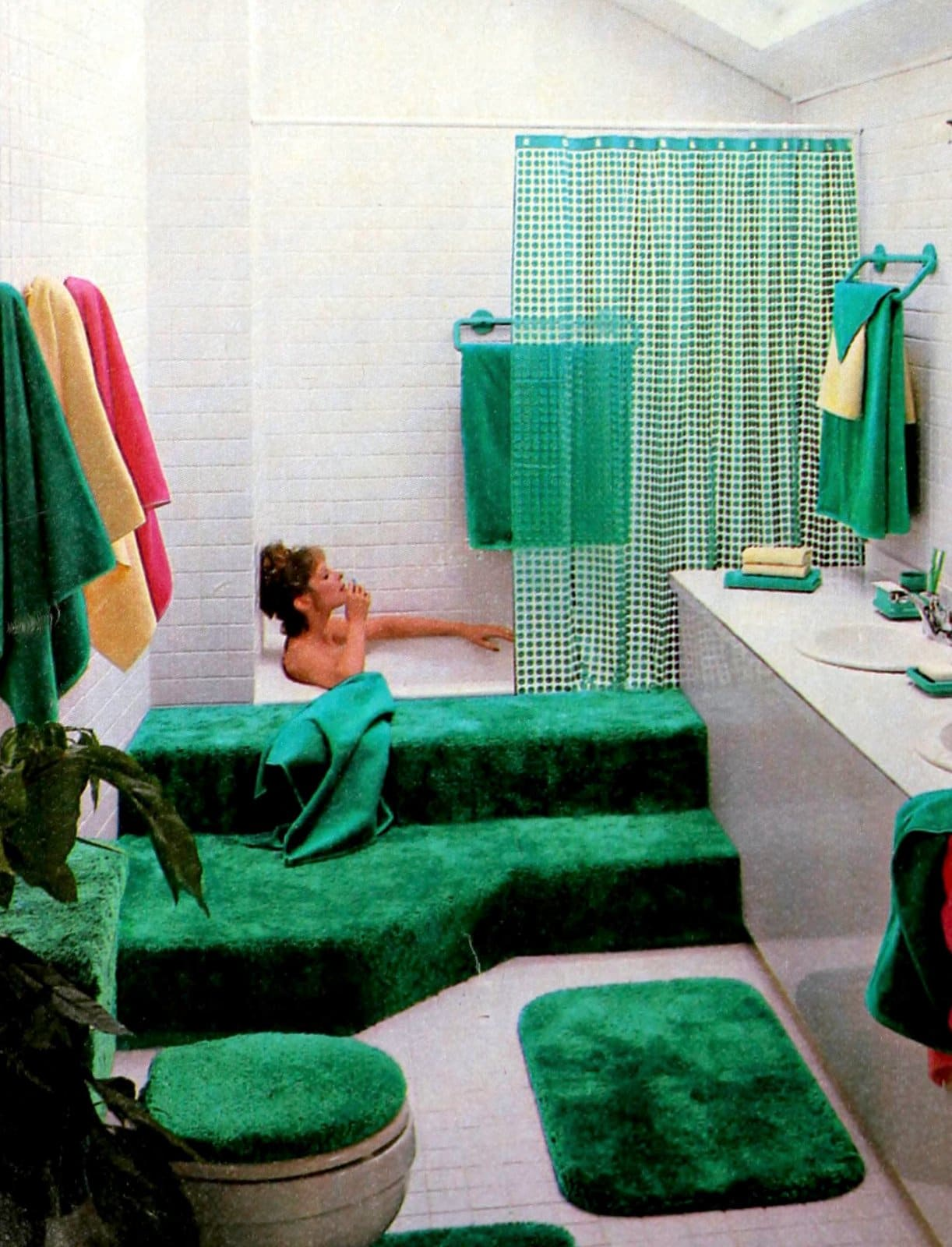 Bright green bathroom carpeting and decor (1986)