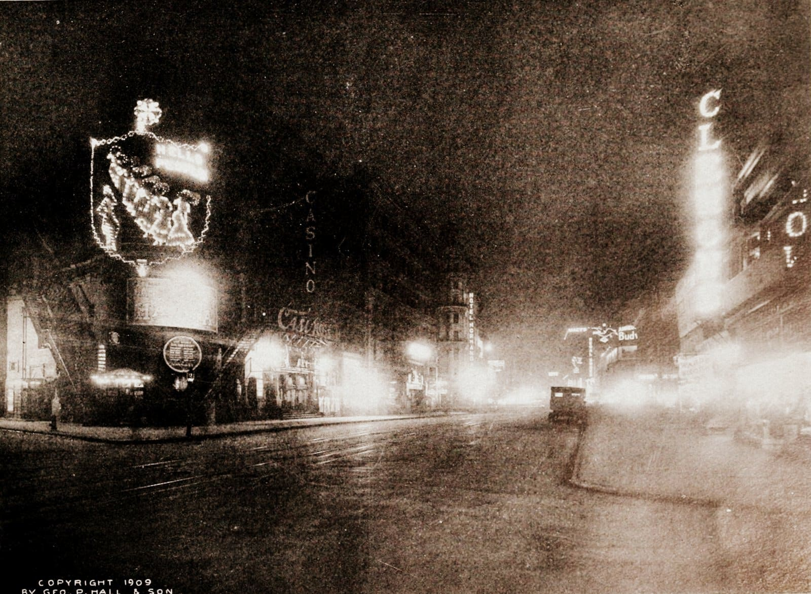 Broadway's midnight sun - Photos of old NYC from 1909 (1)