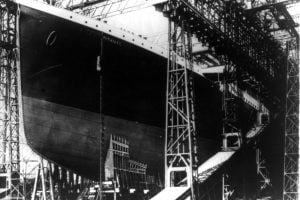 Building the Titanic steamship