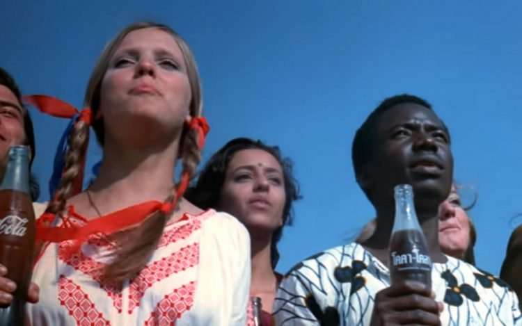 Buy the world a Coke - Coca Cola vintage TV commercial 1971 (4)