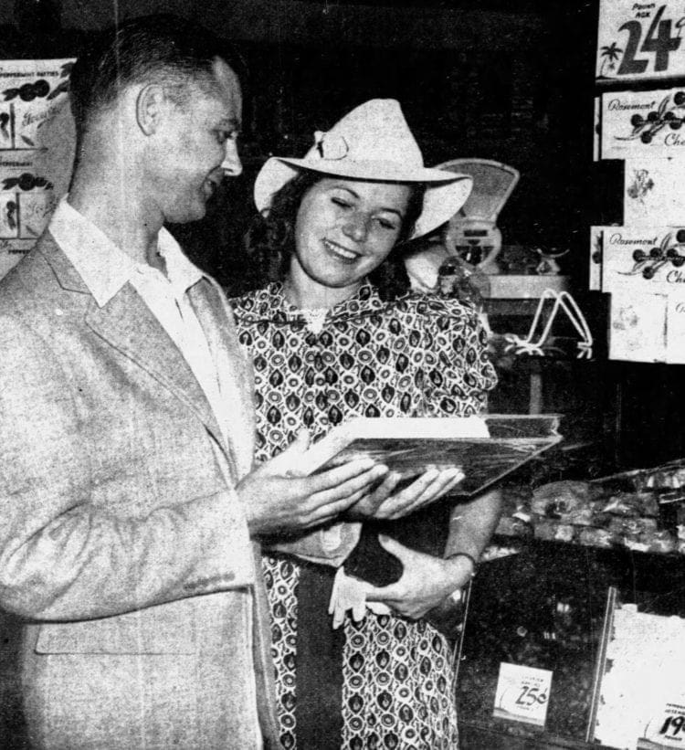 Candy shops in Miami - Sweetest Day October 1938
