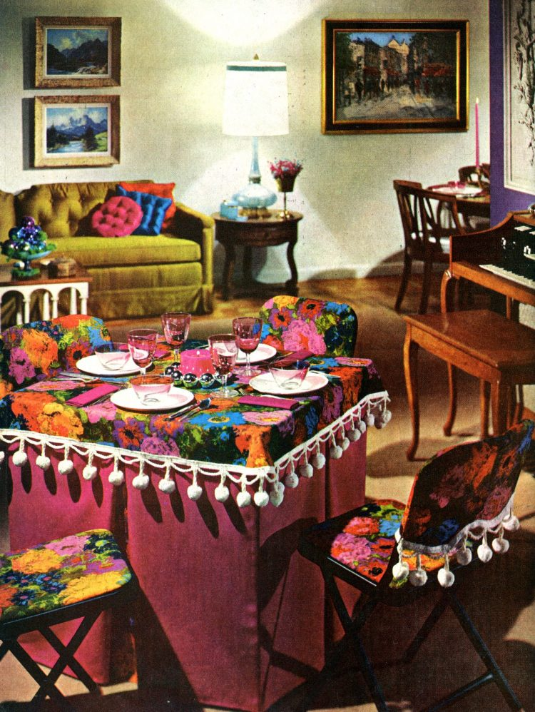 Casual pink Christmas table decor from 1963