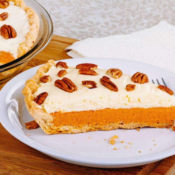 Classic cheesecake pumpkin pie