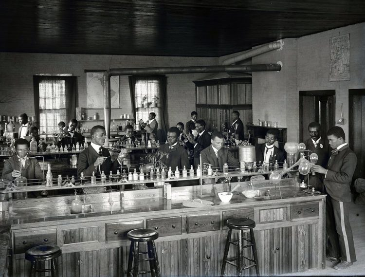 Chemistry laboratory at Tuskegee Institute, ca. 1902