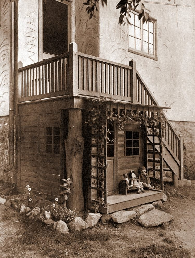 Child's playhouse attached to home from the 1920s