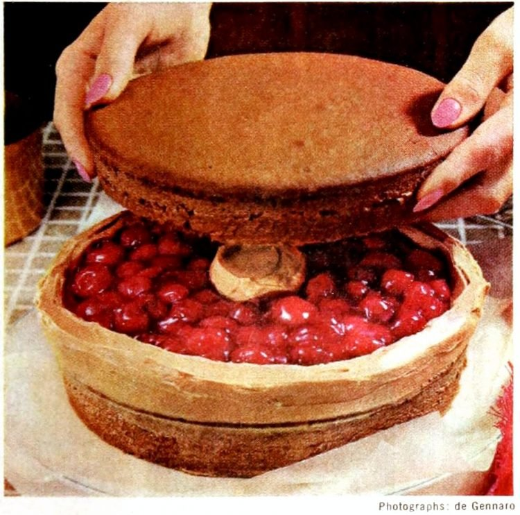 Chocolate-cherry torte - Vintage dessert recipe from 1966 (3)