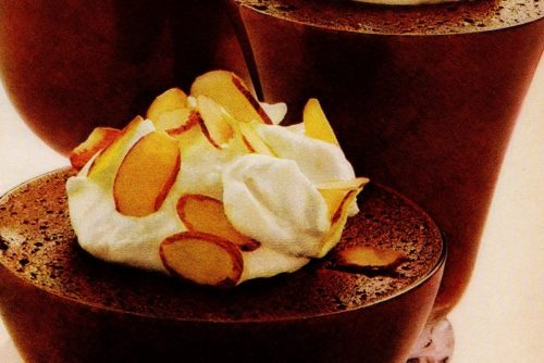 Chocolate mousse retro recipe made with brown sugar (1972)