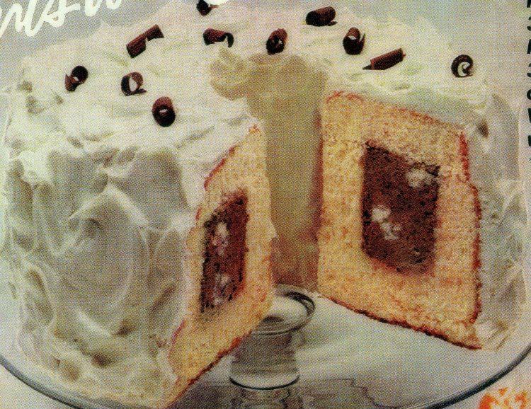 Chocolate-vanilla snow tunnel cake recipe