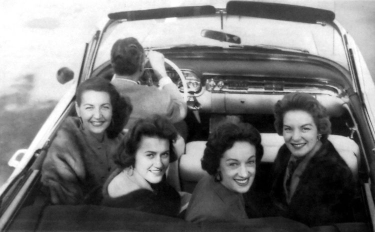 Chordettes in a car