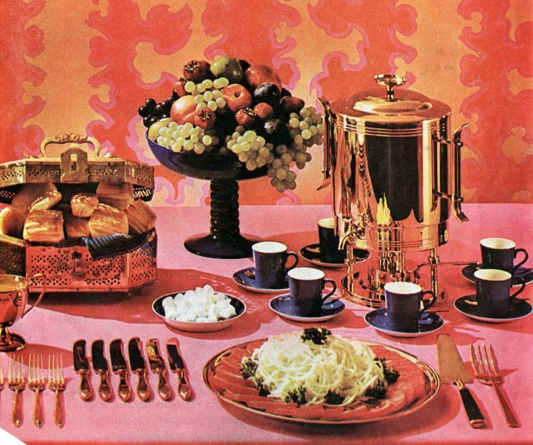 Christmas decor inspiration and tablesettings from 1960 - Retro style (3)