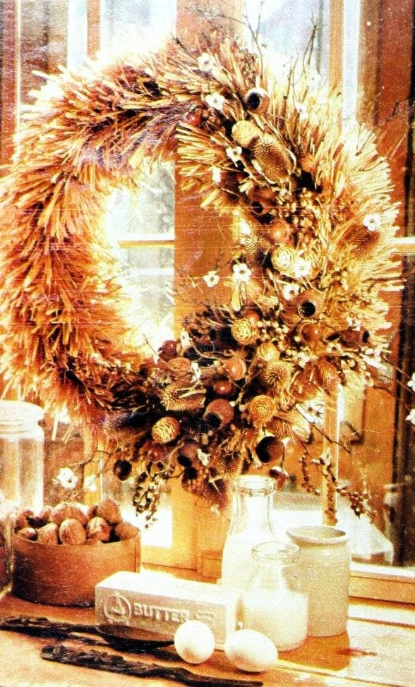 Christmas wreaths and door decor from the 1970s (4)