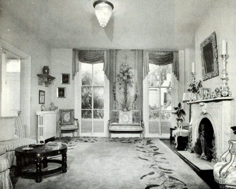 Federal/Victorian frame house living room