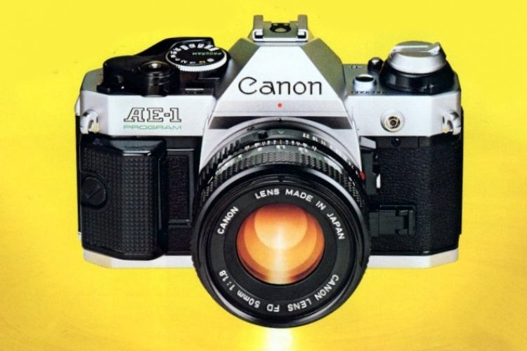 Classic SLR cameras The Canon AE-1 Program from 1982 & FD lenses