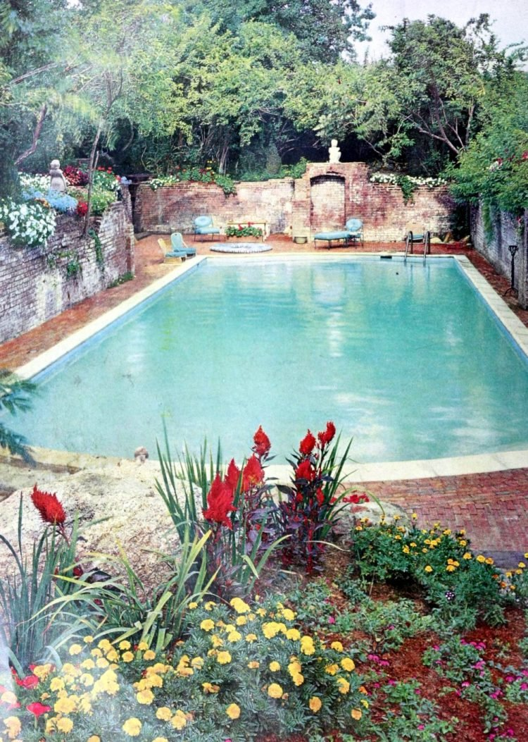 Classic backyard swimming pool design from 1959 (1)