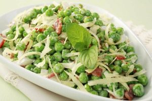 Classic green pea salad recipe (1970)