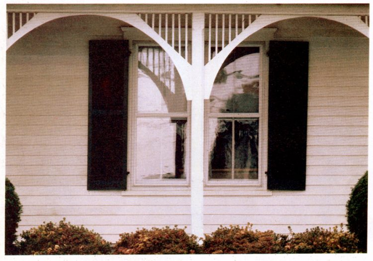 Classic house styles - wood trim ideas for the front porch (3)