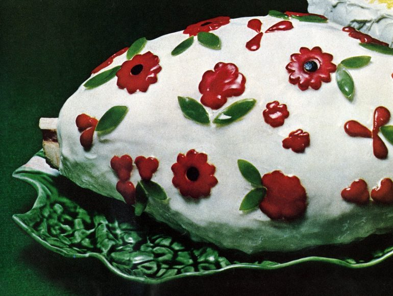 Cold glazed ham with pimento flowers retro recipe (1965)