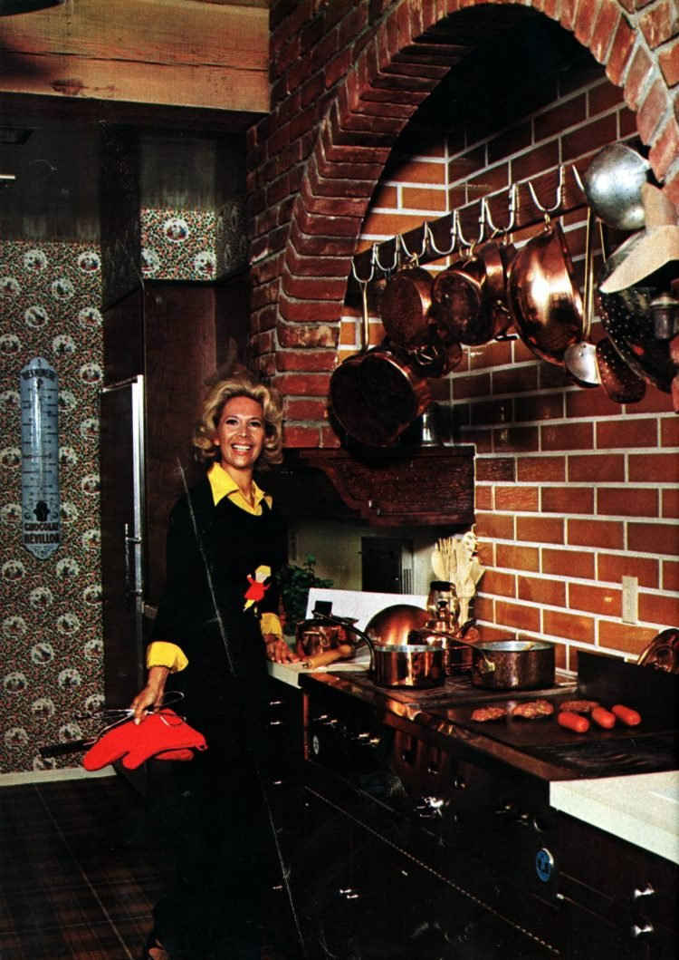 Come into the kitchen with Dinah Shore - A celebrity home from 1967 (2)