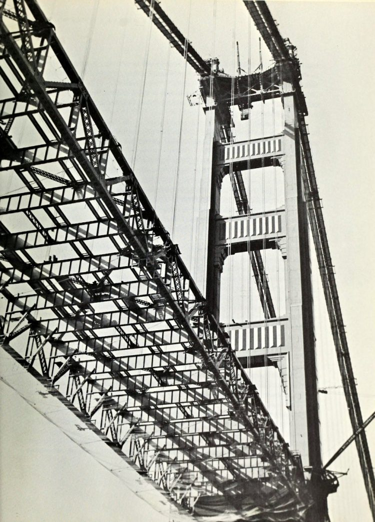 Construction of the Golden Gate Bridge - 1930s (13)