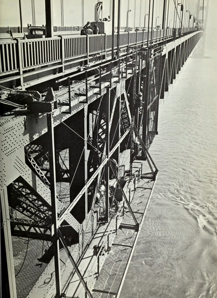 Construction of the Golden Gate Bridge - 1930s (14)