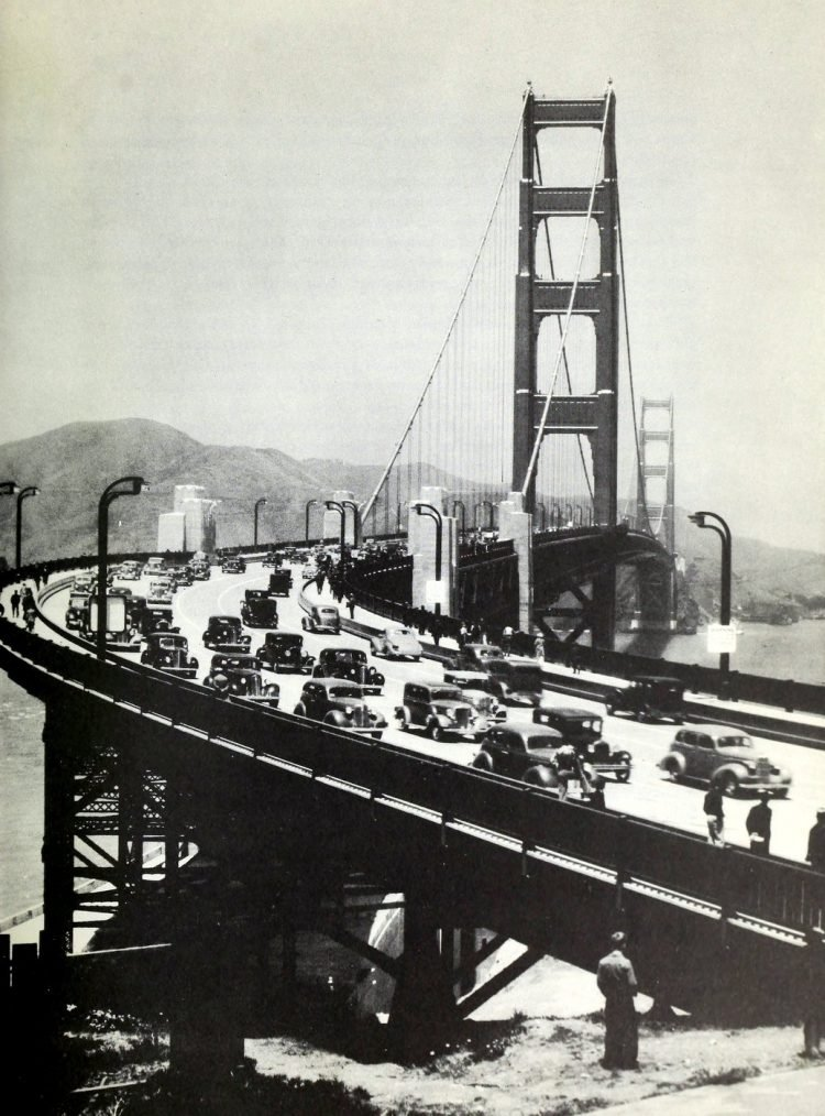 Construction of the Golden Gate Bridge - 1930s (3)