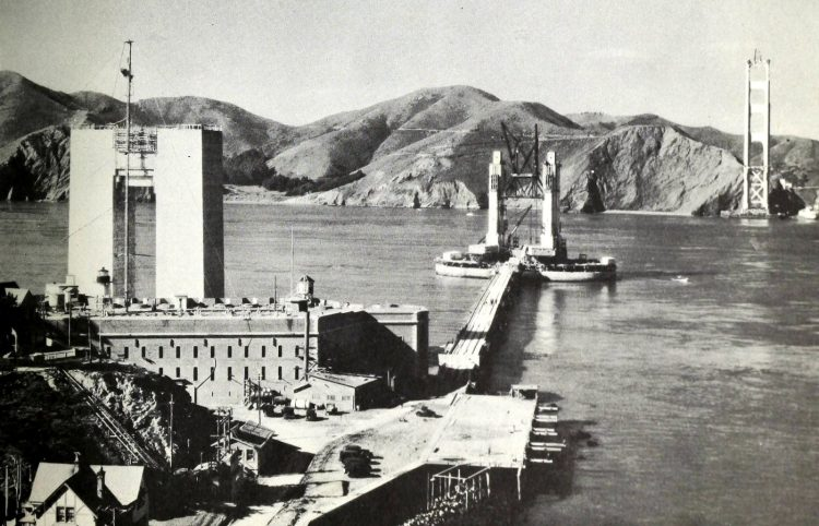 Construction of the Golden Gate Bridge - 1930s (4)