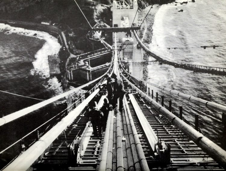 Construction of the Golden Gate Bridge - 1930s (7)