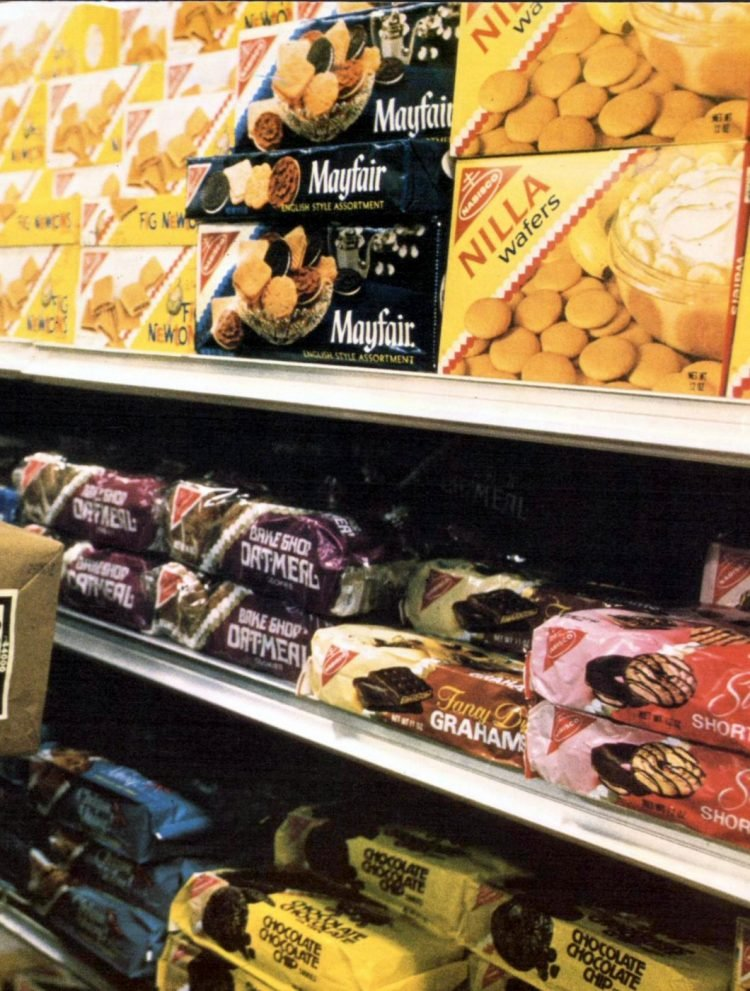 Cookie brands on grocery store shelf (1975)