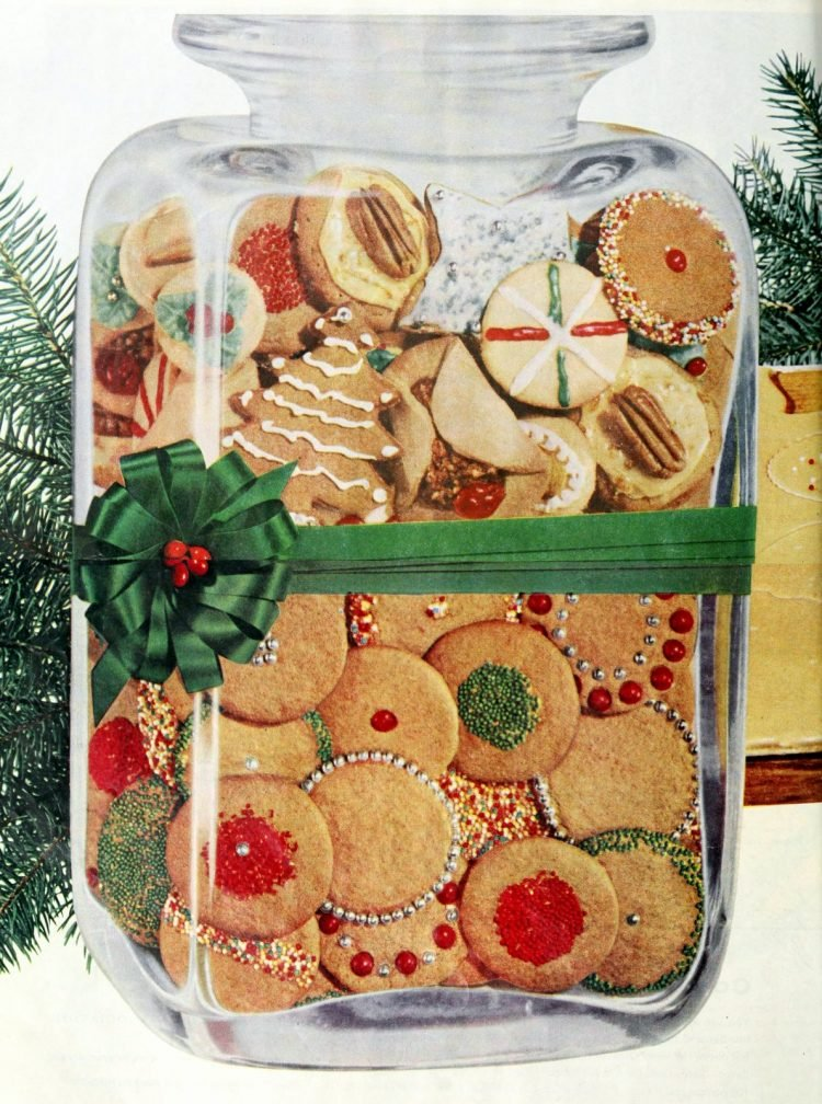 Cookie jar with vintage Christmas cookies