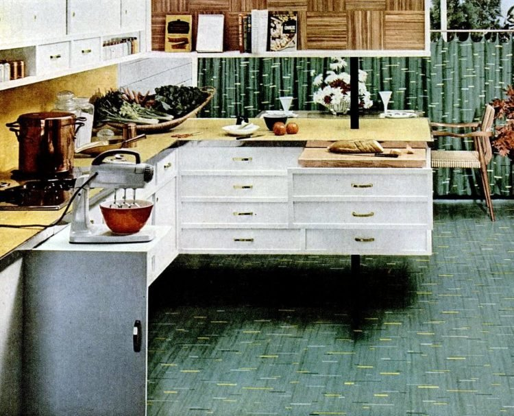 Cool retro kitchen features from 1953 - Easy-clean floors from no-base cabinetry