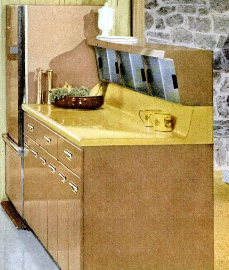 Cool retro kitchen features from 1957 - Bonus storage area