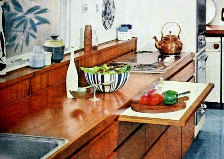 Cool retro kitchen features from 1960 - Pull-out kitchen cutting boards