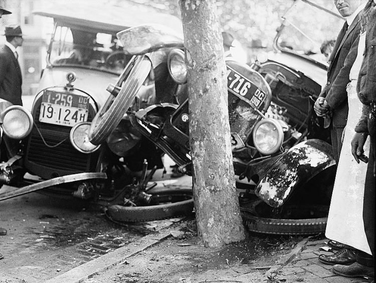 Crashed cars - 1918 to 1920