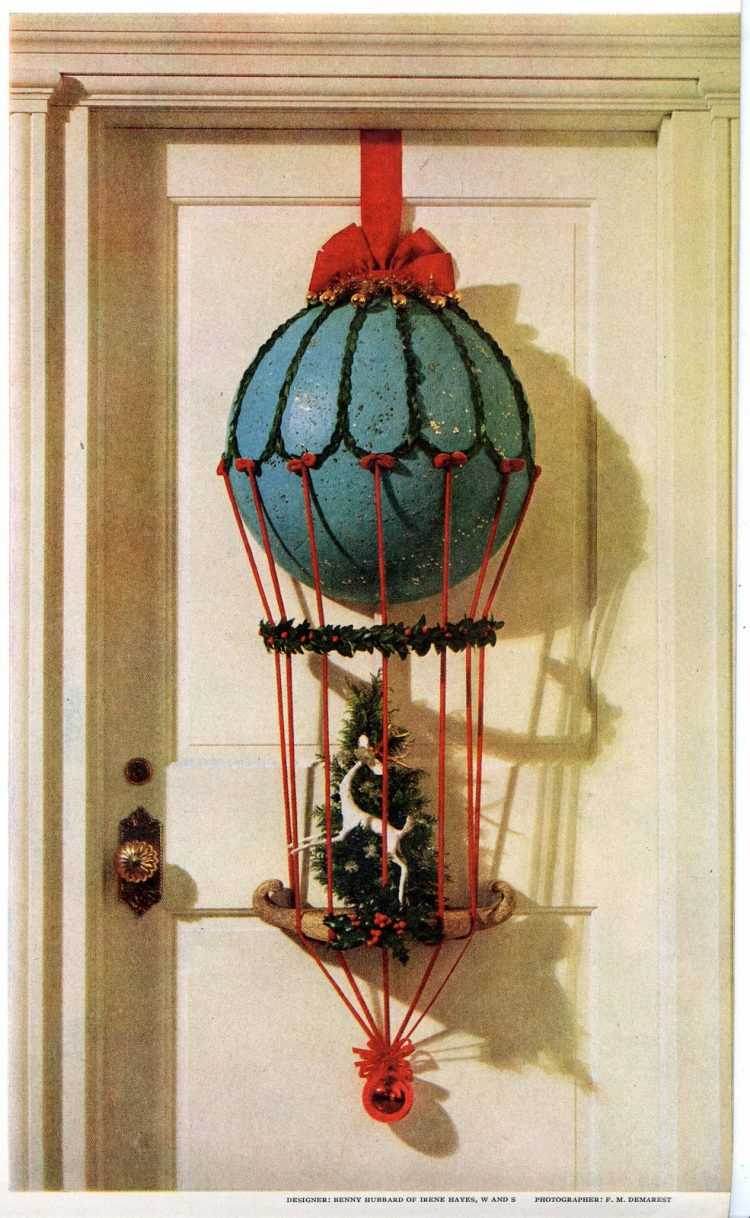 Creative DIY hot air balloon Christmas decor for the front door