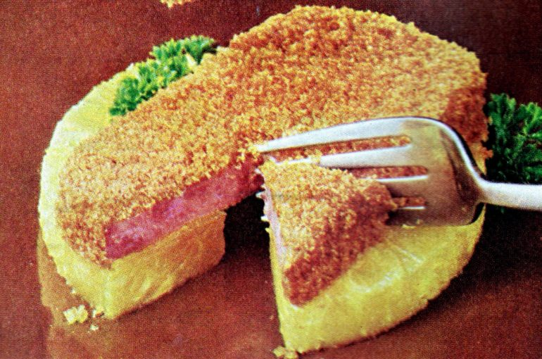 Crusty SPAMbake retro recipe from 1968 (1)