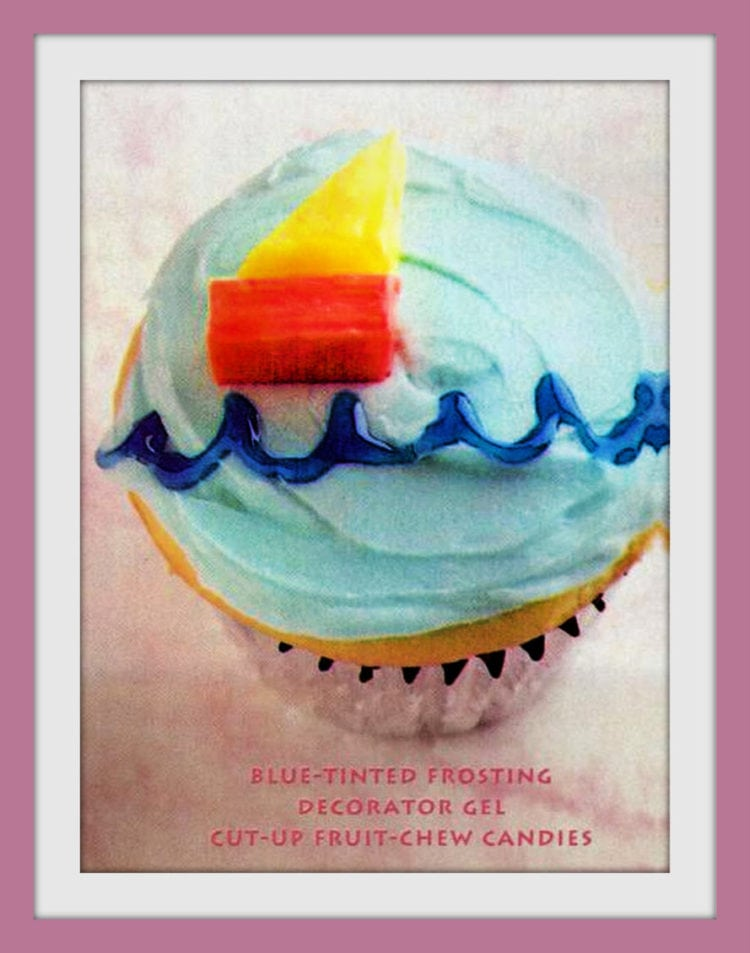 Cute ways to decorate cupcakes from 1995 - little boat on the water