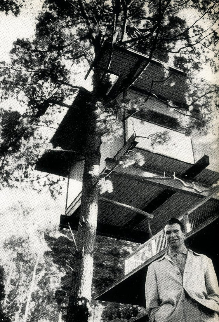 Dave Brubeck - Mr Jazz - lived in a house that was a tree house (1961)