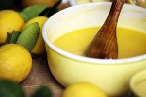 15 delicious old-fashioned lemon dessert recipes