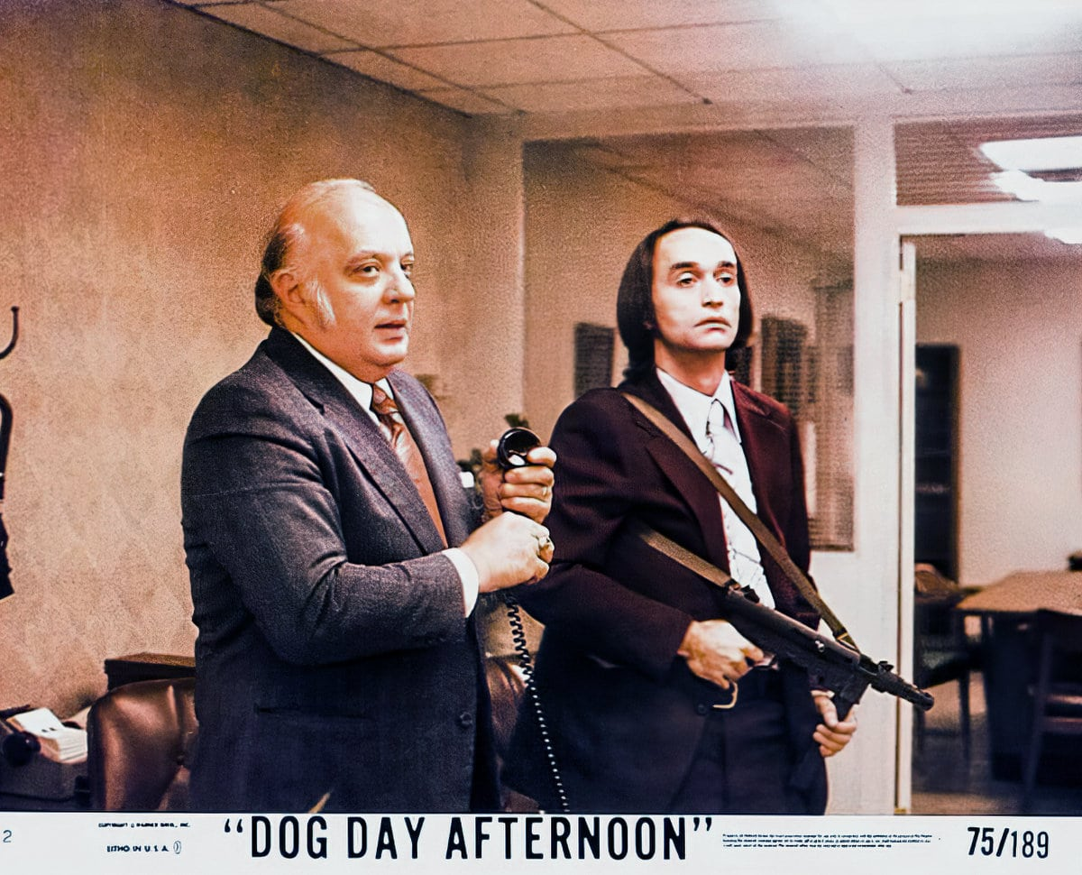 Dog Day Afternoon - vintage movie lobby card 1975 (1)