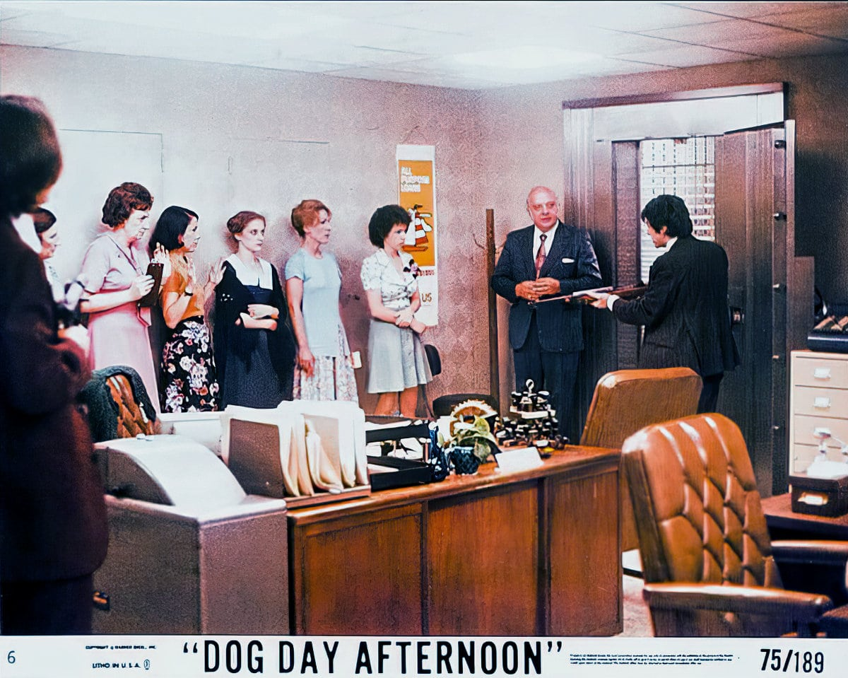 Dog Day Afternoon - vintage movie lobby card 1975 (2)