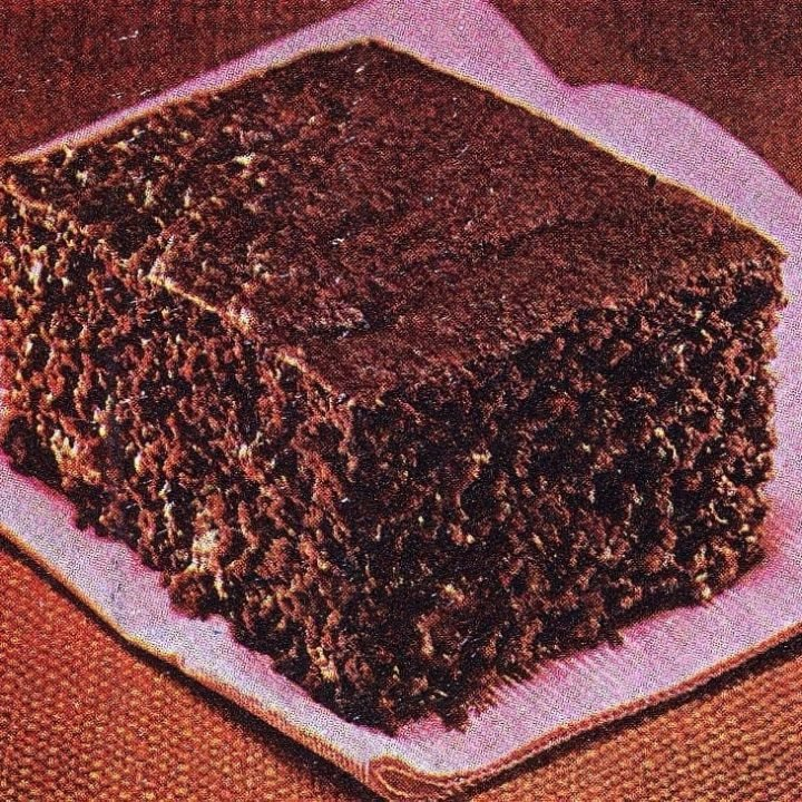 Duncan Hines' Fast fixin-chocolate chip cake recipe